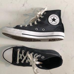 Chuck Taylor All Star Women Hi Velvet Sneaker